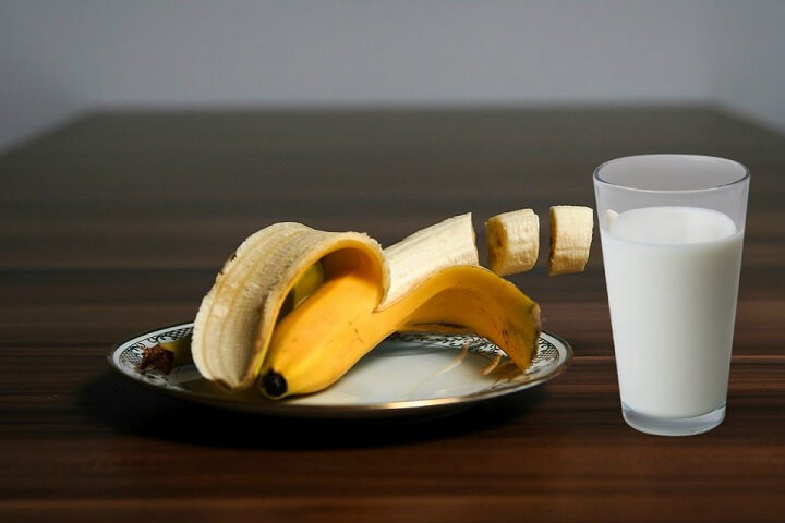 Banana and Milk - Wrong Food Combinations